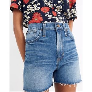 Madewell The Perfect Jean Short Size 27